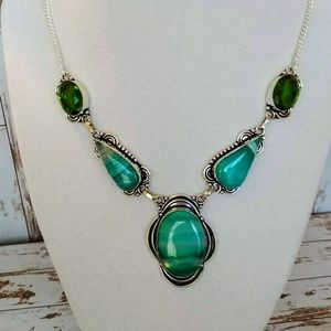 Jewelry - Green African Agate Necklace